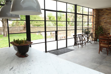 Bring steel windows and doors into the kitchen
