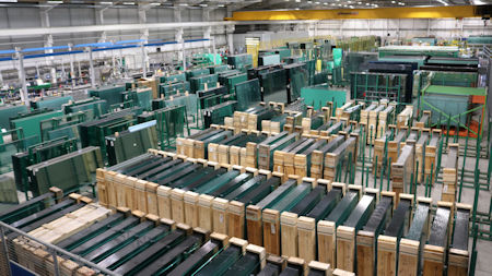 Global shortage of shipping containers to compound pressure on glass supply
