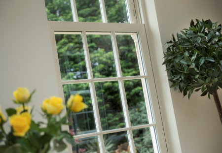 Authentic sash windows meet top thermal specifications with SWISSPACER