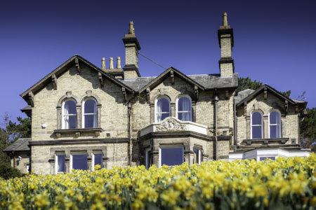 Spectus Vertical Sliders help revamp stunning 1866 residence