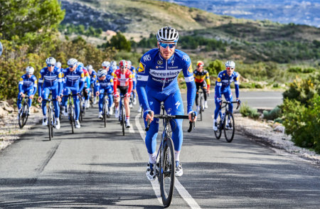Deceuninck sponsors elite cycling team